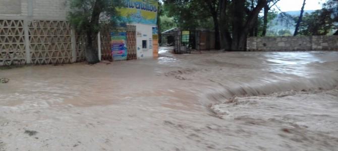 Se desborda río en Tamazulapan